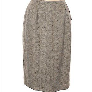 Larry levin size 10 casual skirt